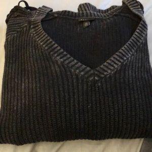 Black cold shoulder sweater. Size: Torrid 2